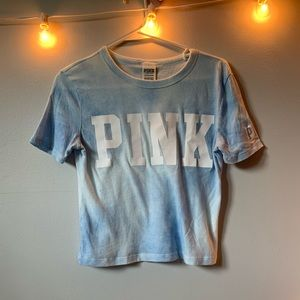 Cropped blue and white Pink t-shirt.